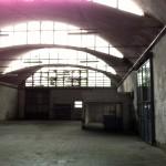 Vista uffici, servizi e soppalco capannone retro